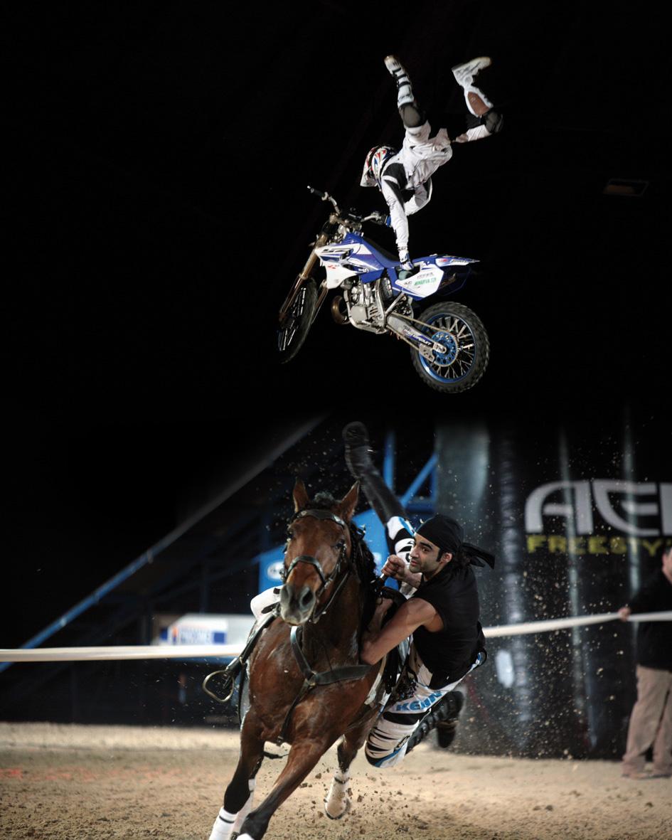 Cheval passion : cascades motos et chevaux